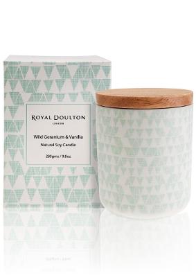 Royal Doulton Pastels Wild Geranium & Vanilla Candle